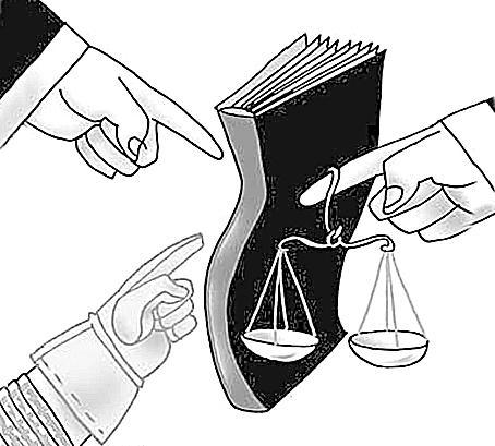 Argumentos a favor de la libertad de expresión basados en la ecuación entre Derecho yPoder